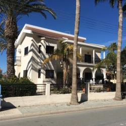 Detached House For Sale In Leivadia Larnaca